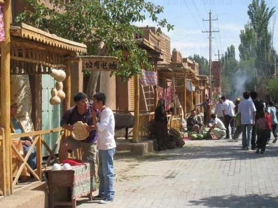 鄯善蒲昌村 新农村建设的奇迹—艺术工程立面改造打造影视基地和风情街区